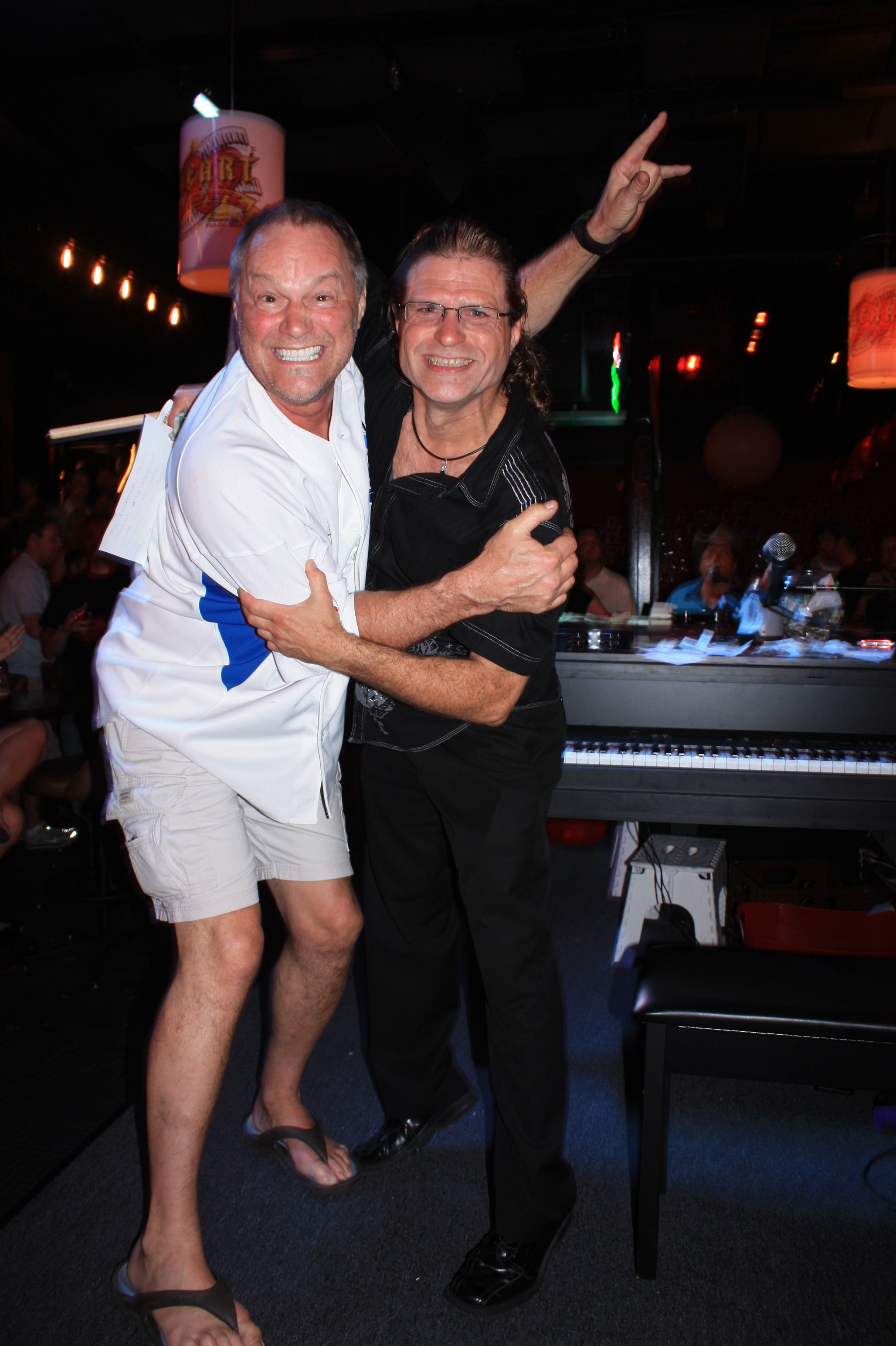 Chicago Dueling Pianos post-game at Sluggers – Aug 21